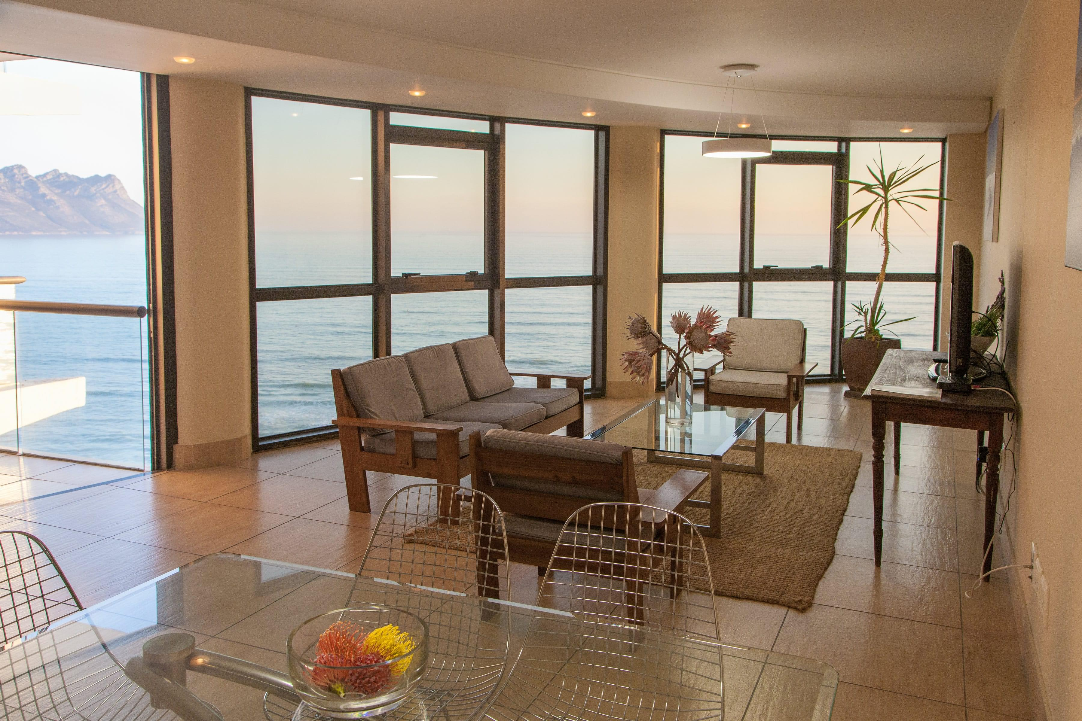 Beachfront Apartments - Strand Accommodation
